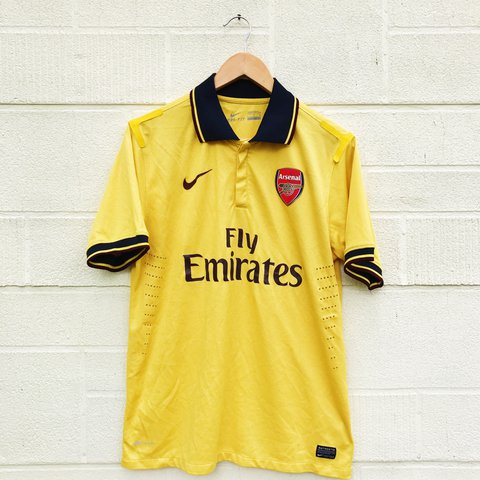 Older Arsenal football kit with Nike and fly emirates men s - Depop 3c7881778