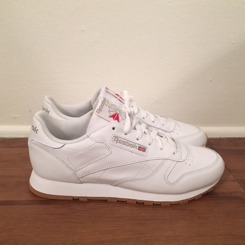 2fcb6611db2a2 BRAND NEW W  BOX Reebok Classic Leather Sneakers with Gum 8 - Depop