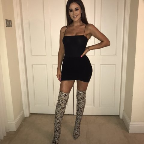 c65d6b9eb3c Mango over the knee snakeprint boots paid close to €60 for + - Depop