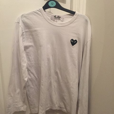 e0a2e264b 100% authentic cdg tee, WORN 8/10 condition size large but a - Depop