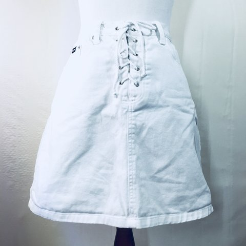 2b85dda566 @gatohy. 11 months ago. Houston, United States. Description: Lace up white  denim skirt from THE LIMITED.