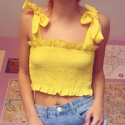 ad3324e59322f 🌼🌼🌼 ▫️Yellow ribbed ruched frill crop top ▫️Adjustable - Depop