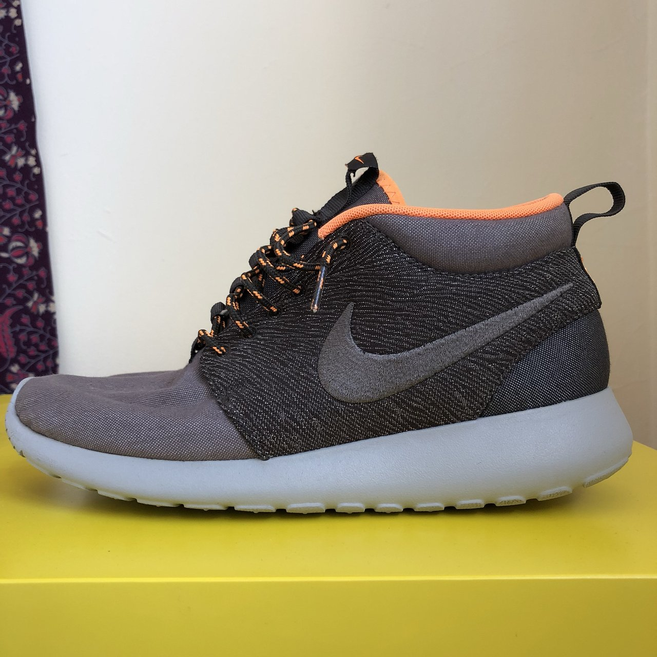 Nike Roshe Run Mid City Pack - London Basically perfect and - Depop 04183246f