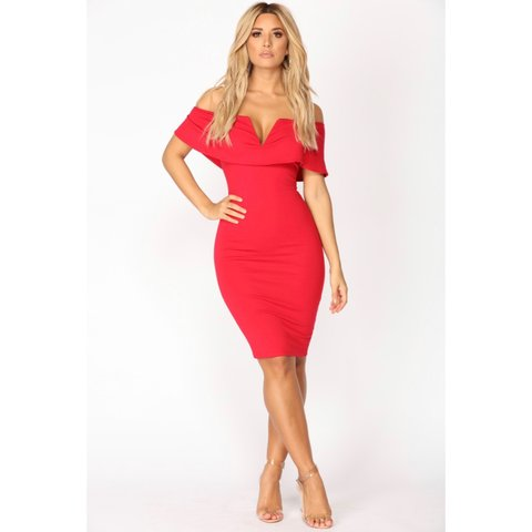 99ca1c64076 FASHION NOVA Lyla off-shoulders sexy red dress ✨ never worn - Depop
