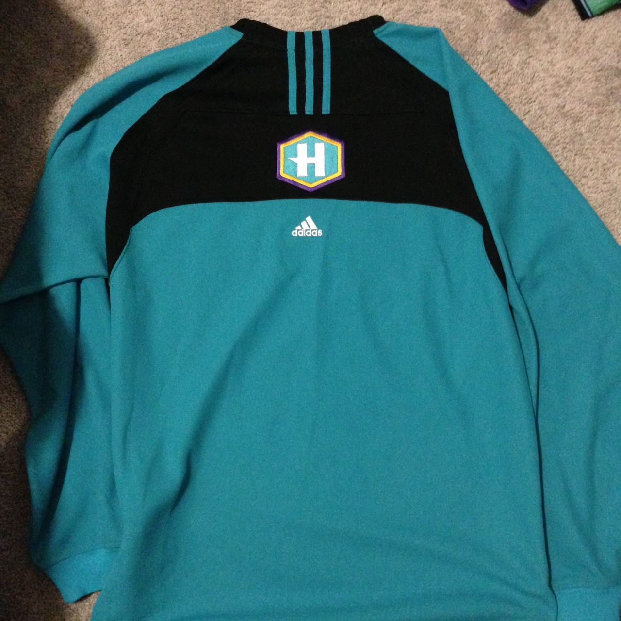 buy popular 489d0 66c43 Adidas Charlotte Hornets hockey jersey size small... - Depop