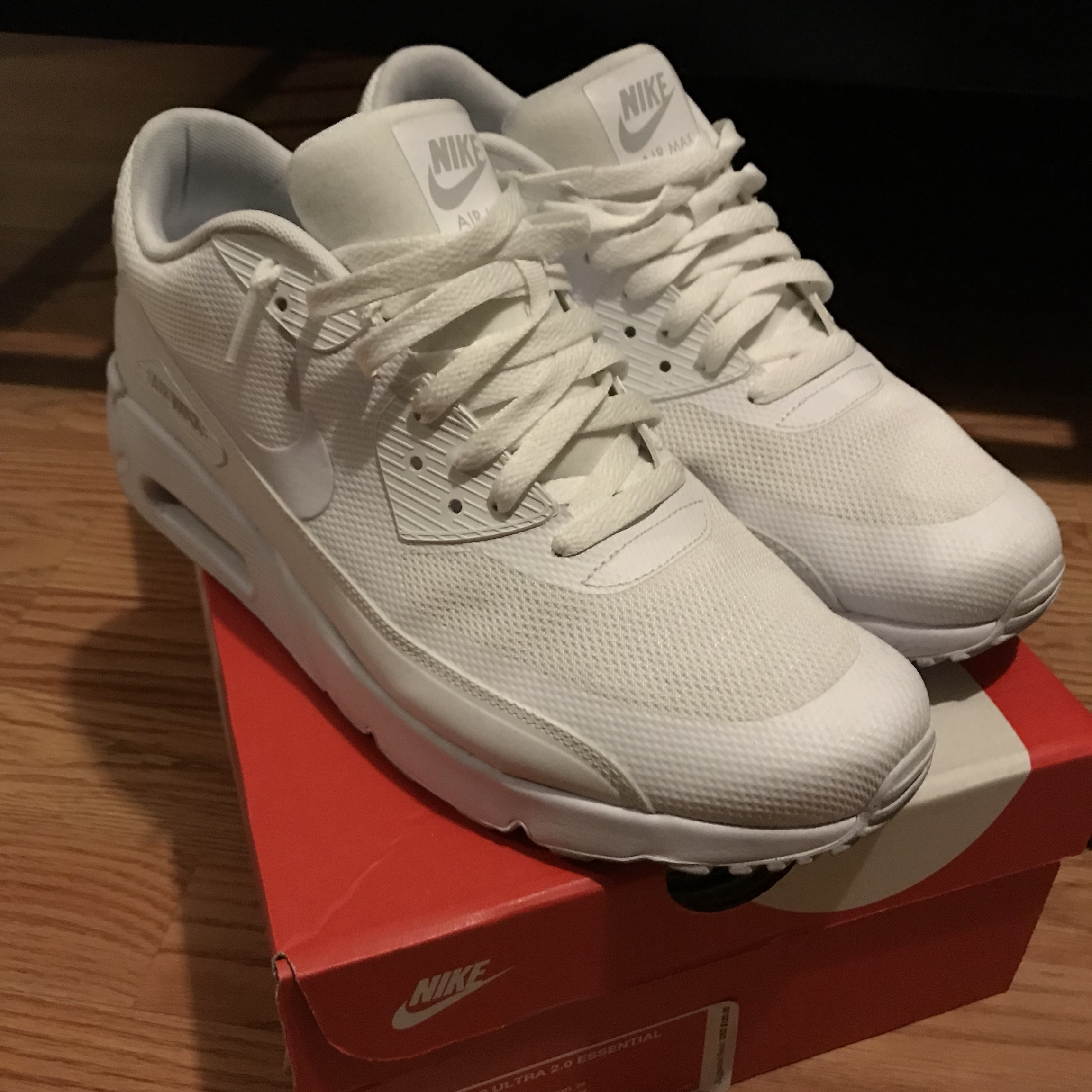 Nike Air Max 90 Ultra all white, size 10 </p>                     </div>   <!--bof Product URL --> <!--eof Product URL --> <!--bof Quantity Discounts table --> <!--eof Quantity Discounts table --> </div>                        </dd> <dt class=