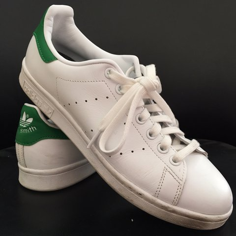 ADIDAS STAN SMITH US 8 1 2 WOMENS (used but good insoles - Depop