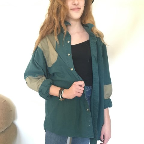 cdf67e4643e Columbia oversized army green button down with khaki Fits L. - Depop