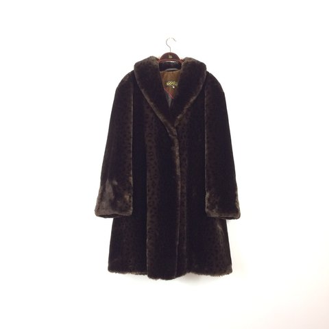 5b1af6d3d47e @paws4harry. 8 months ago. Brighton, United Kingdom. This immaculate  condition vintage 80s faux fur leopard print swing coat ...
