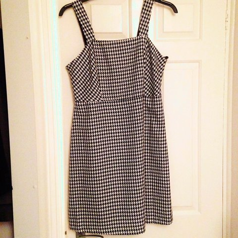 a04b2fe1b9 Dogtooth pinafore dress. Size 12 from Peacocks but would fit - Depop