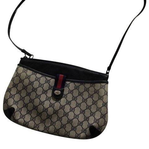 1e265e671321f5 @daymelik. in 18 hours. Chicago, United States. Vintage Gucci Navy blue  Webby GG Logo Canvas Leather Cross body Shoulder Bag