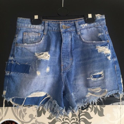 6daffd22 @stephmxx. 10 months ago. Liverpool, United Kingdom. Zara blue ripped denim  shorts. Size XS/34 UK 6 ...