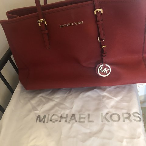 0549e032d956 @madders5010. 7 months ago. Weston-super-Mare, United Kingdom. GENUINE  MICHAEL KORS BAG Beautiful red colour perfect ...