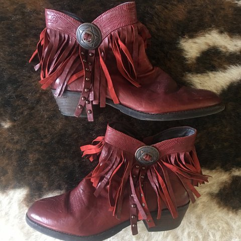 a572f77d8 Sam Edelman Sidney fringe ankle boots in red. Super A little - Depop