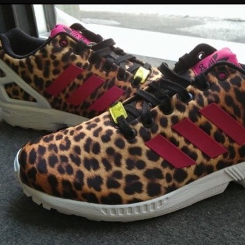 84dee7fe10b1b adidas  zx  flux maculate con strisce Fuxia nuovissime due - Depop