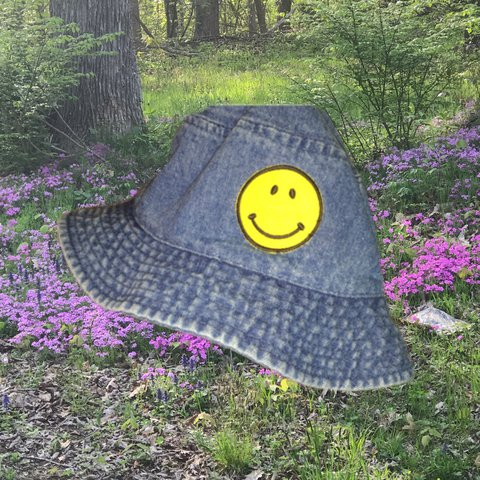 d6694dd9a37 🏖 ☀ 👒Classic denim bucket hat with a smilie face patch on - Depop