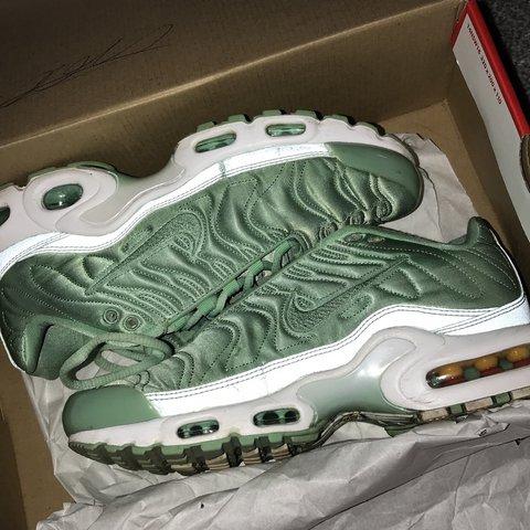 best loved 6e1d0 2e8aa Green NIKE TNs size uk4.5,- 0