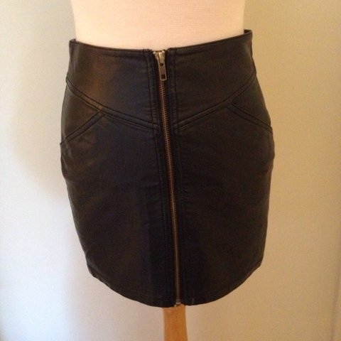 cd27b9ec9 @fernhawkins1996. 3 years ago. Norwich, Norwich, Norfolk, UK. H&M leather  skirt, black with zip all the way up the front and two ...