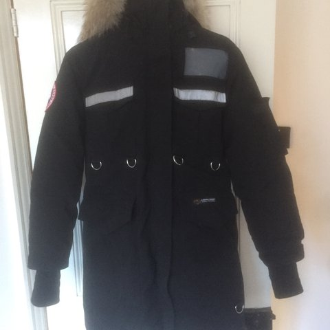 12ad585c2474 Canada goose resolute parka Size xs women s but fits huge. - Depop