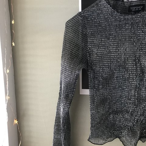 24f6bb329cc038 Long sleeved metallic top from topshop.