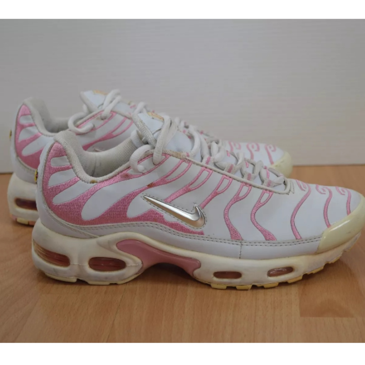 Nike tn tuned baby pink size 5. So rare