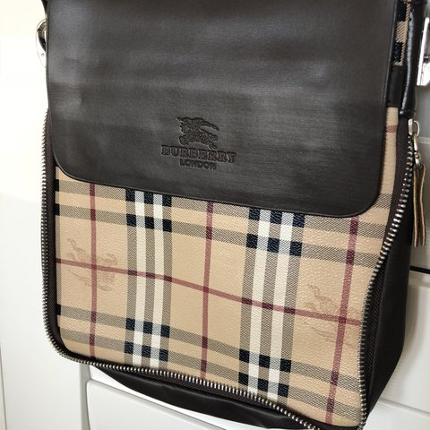 d7502bf47 @bjoyd. 5 months ago. Scarborough, Australia. Fake Burberry satchel bag.