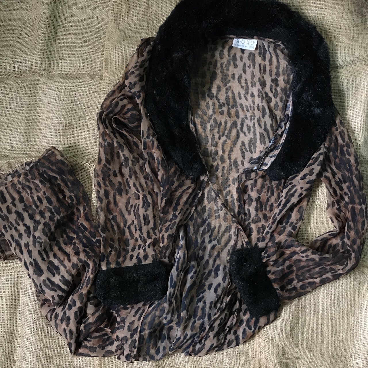 1962ba1913 Wow!! Vintage cheetah robe with faux fur trimming 😩 if I to - Depop