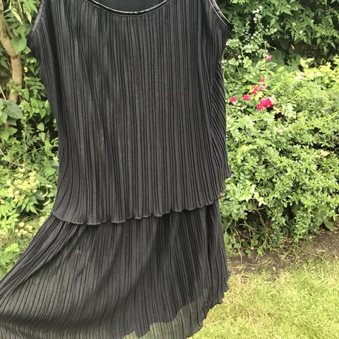 e13cbae713eb Really pretty pleated black flapper style dress from new and - Depop