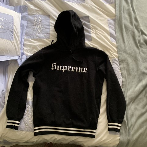 8bb31ca6f16c Supreme Black Old English hoodie. Lightly used in great for - Depop