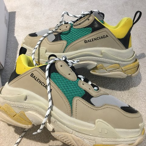 dcf0326b29 @ebrzeskwinski. 11 months ago. United Kingdom. SOLD OUT EVERYWHERE - Want  to sell fast Size 41 authentic Balenciaga Triple S ...