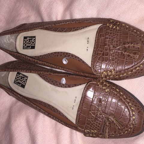 4624b952635  sj 1992. 2 months ago. United Kingdom. Tanned snakeskin flat shoes.