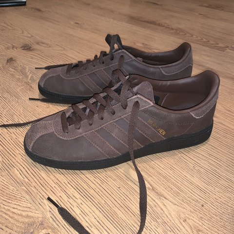 competitive price 7c8fe 7551a  nicolebrown 3. 3 months ago. United Kingdom. Brown Adidas munchen.