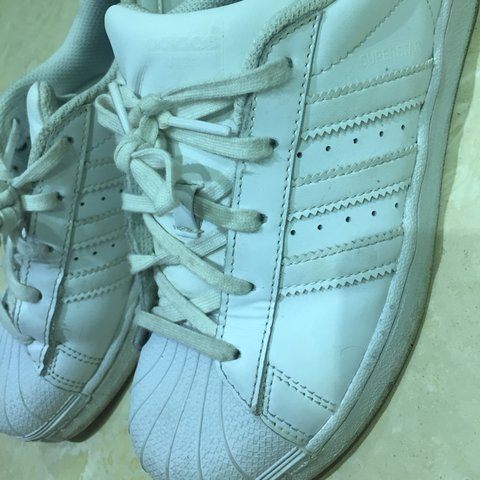 13b7b5a7c431 PRICE DROP  cybermonday White Adidas superstars in a uk size - Depop