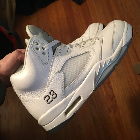 7c1ee9605298 Jordan Metallic White 5s retro 5 size 10.5 worn a few times - Depop