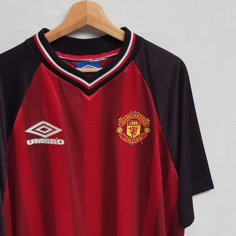 2cc54a2e265 Deadstock Vintage 90's Manchester United FC Football shirt - Depop