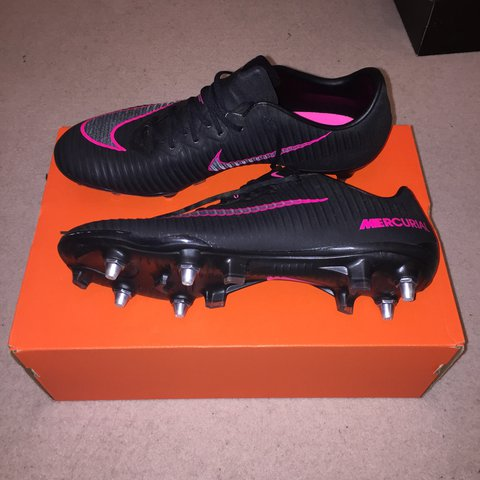 7eb67f9ca00a @jamiestephens123. 2 years ago. Church Green, Totternhoe, Dunstable LU6  1RF, UK. Nike mercurial vapor XI sg pro football boots. Size ...