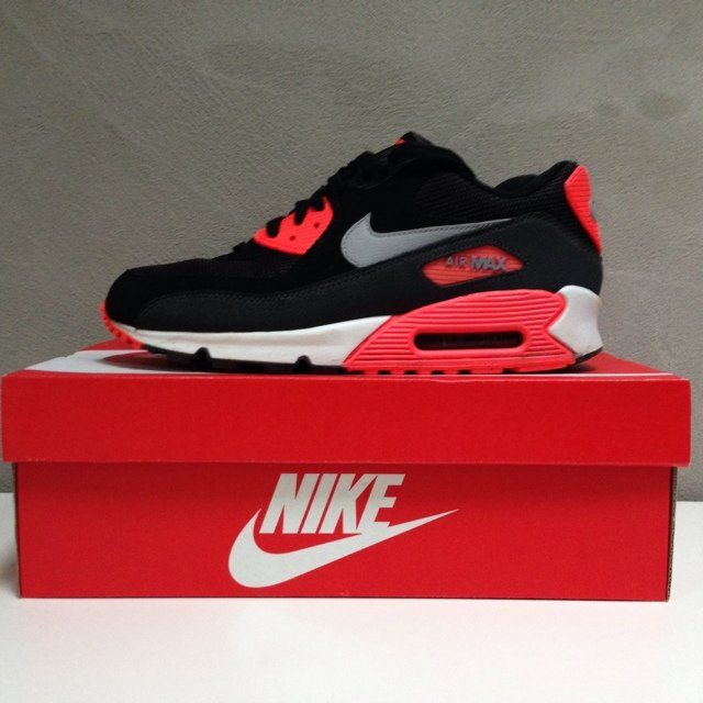 6a87205b84 @sibowd79. 5 years ago. Hebden Bridge, United Kingdom. Nike Air Max 90  Essential Black/ Infrared size ...