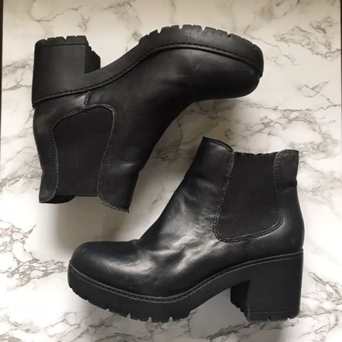 8f0adb59bf8 Black Steve Madden ankle boots! Wrong size for me