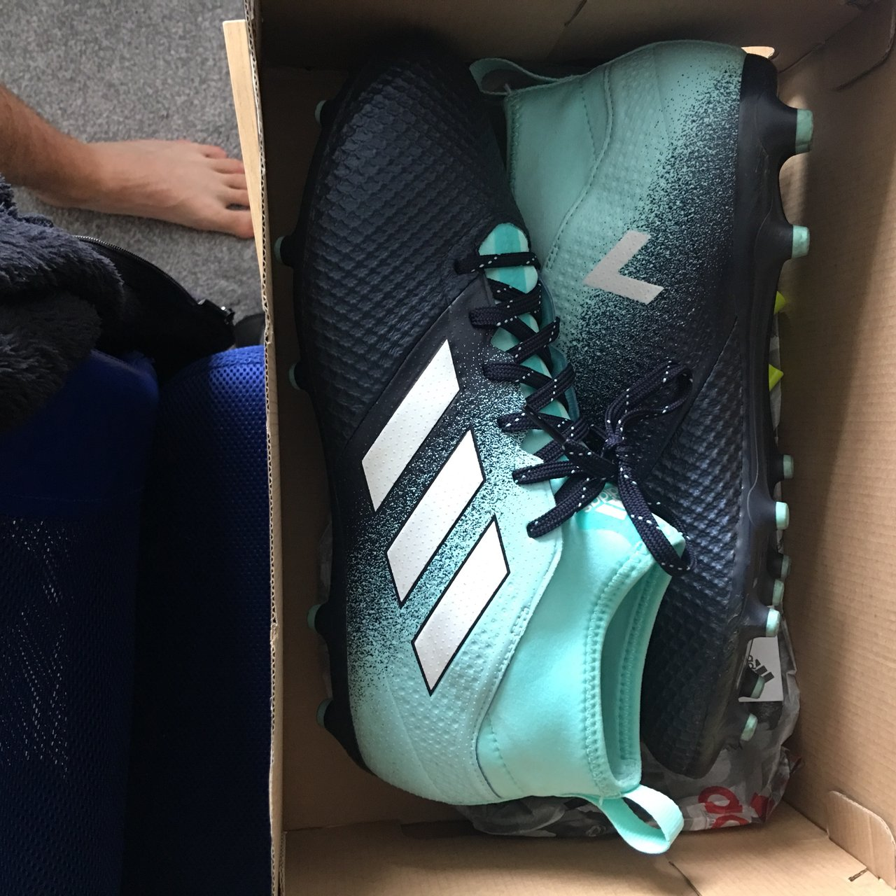 dce2d118ac3 Men's ADIDAS football boots 10/10 continues