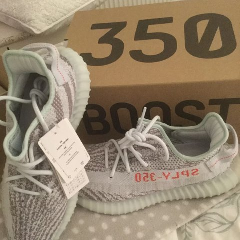 PM FOR 10% OFF     ADIDAS YEEZY BOOST 350 V2 UK SIZE TO - Depop 2865d1f8d