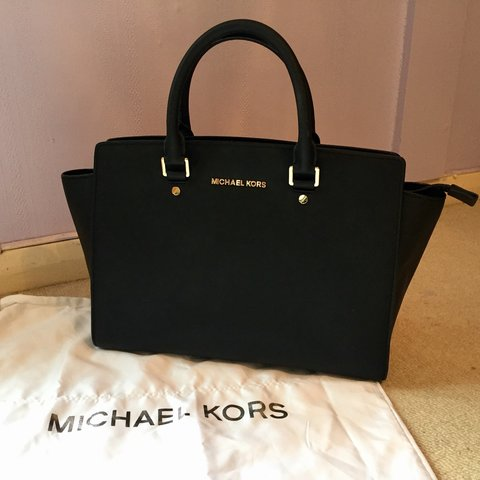 38ae3163b430 @monashafiei1. 2 years ago. Hythe, UK. Genuine Michael Kors large black  Selma tote handbag ...