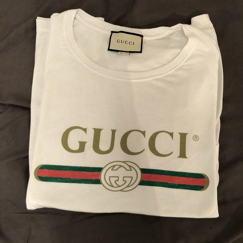 f18ea7ba10cc White Gucci T-Shirt // size L // used once very good... - Depop