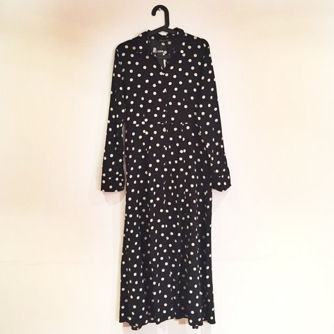 1d0ec657c50 Stradivarius Maxi Polka Dot Shirt Dress. Slits up to knees - Depop