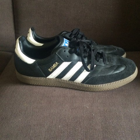 910a20539 @siannnnjones93. 3 years ago. London, UK. Leather black and white Adidas  Sambas with gum sole. Size 7.
