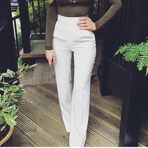 0279d393 @gliles. 4 years ago. Derby, Derby, UK. ZARA White high waisted wide leg  trousers ...