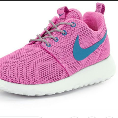 e54798f74ad0 ... worn a few times depop ee849 10597  promo code for must go reduced nike  roshe runs pink w blue tick size 4 but