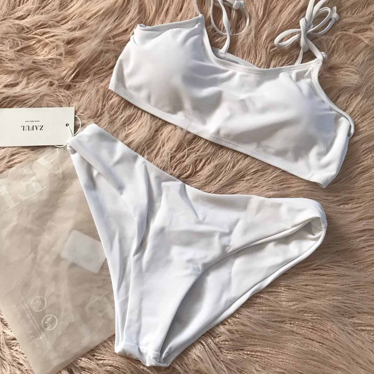 ae8e50fb6995f These cute ☹ White, padded, double lined, high waisted new - Depop
