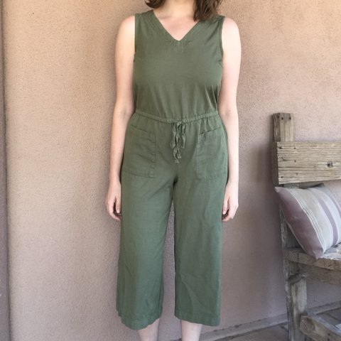 a5b10f33e753 Olive green drawstring jumpsuit from Old Navy. Only been a - Depop
