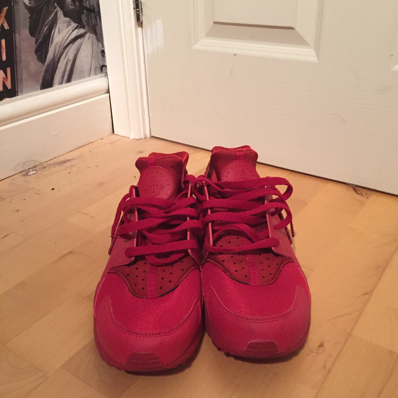 brand new a4dc3 2d30e Nike huarache triple red size 9 uk in very good... - Depop