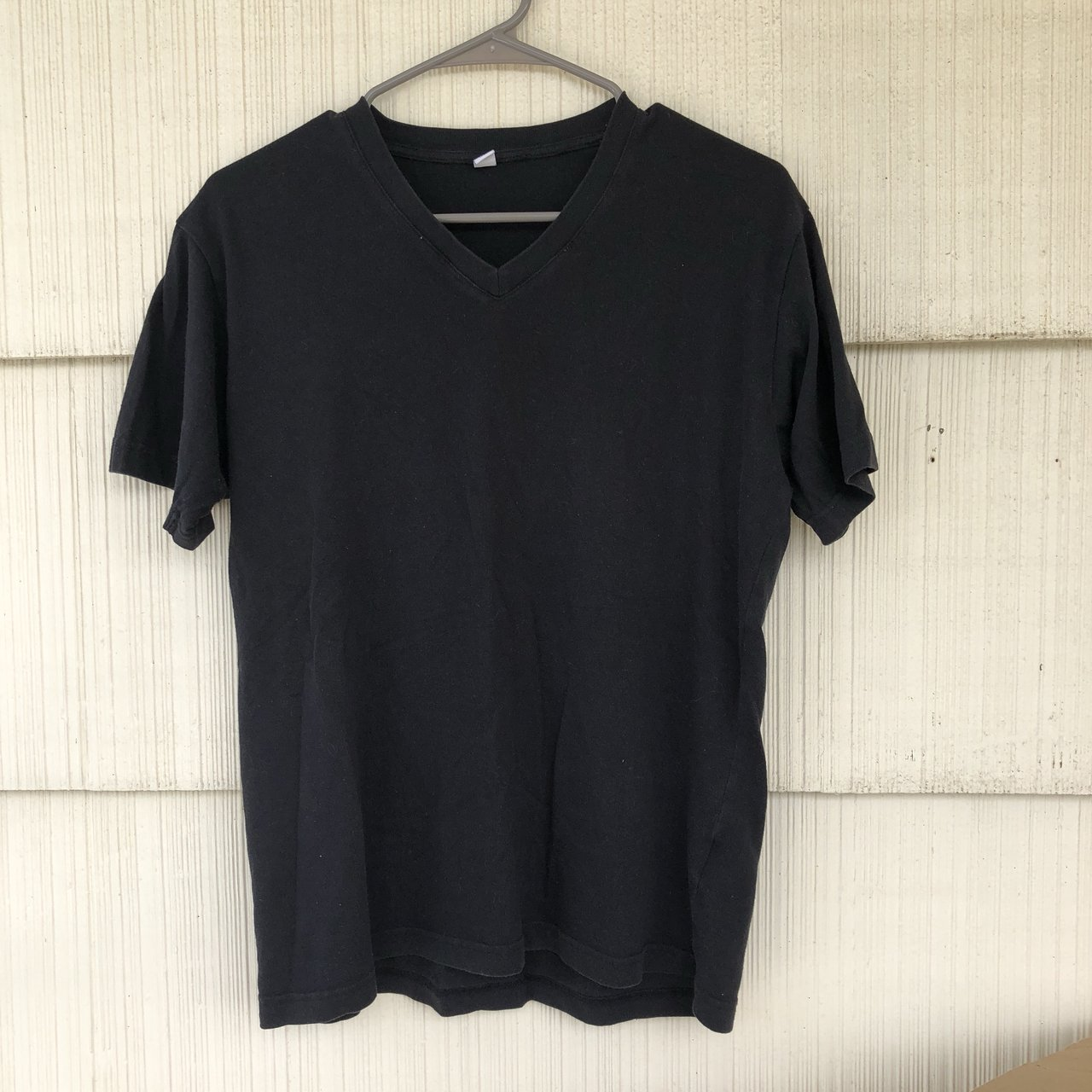 Uniqlo plain black tee shirt I believe I bought this from - Depop 919eef88b43